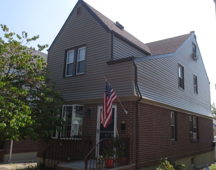 Vinyl Windows and Roof Replacement in the Bronx